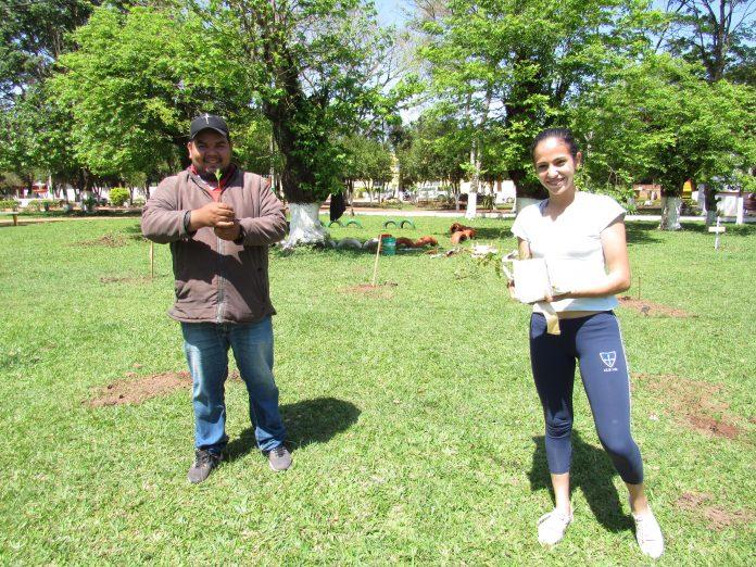 Diego Garcete y Graciela Escobar de la Pastoral Juvenil